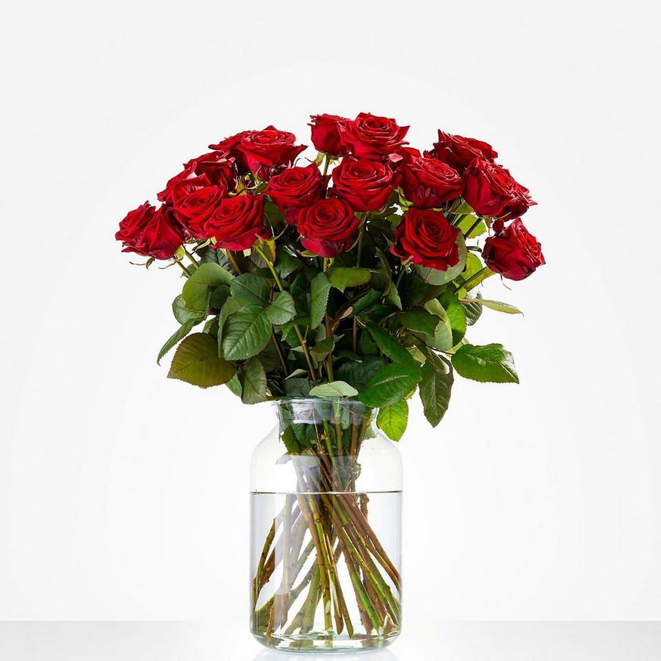 Image 1 of 1 of Bouquet: Pure love; excl. vase