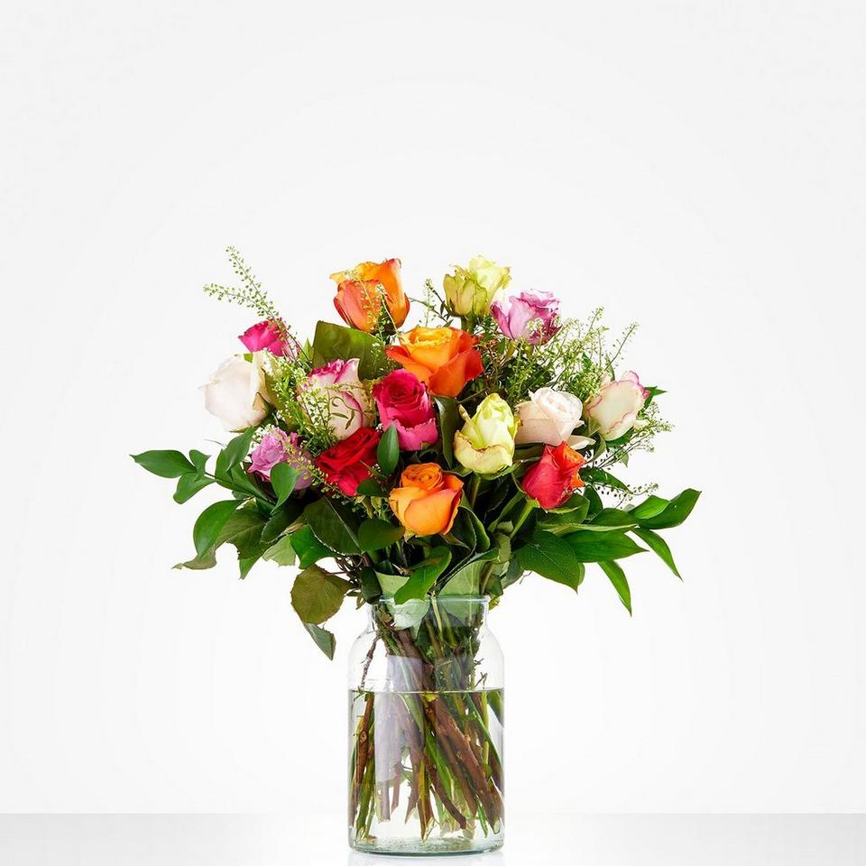 Image 1 of 1 of Bouquet: Colourful roses; excl. vase