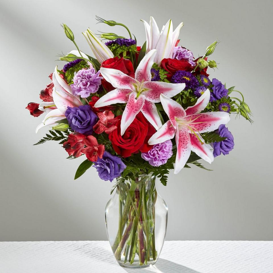 Image 1 of 1 of The Stunning Beauty Bouquet by FTD - VASE INCLUDED