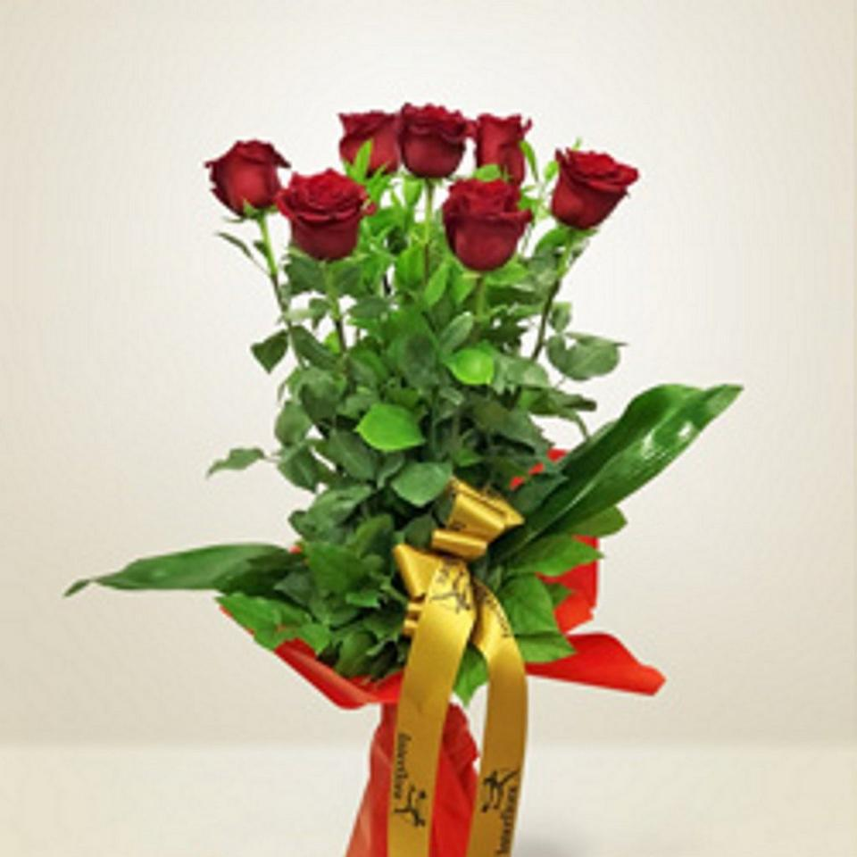 Image 1 of 1 of Sette rose rosse