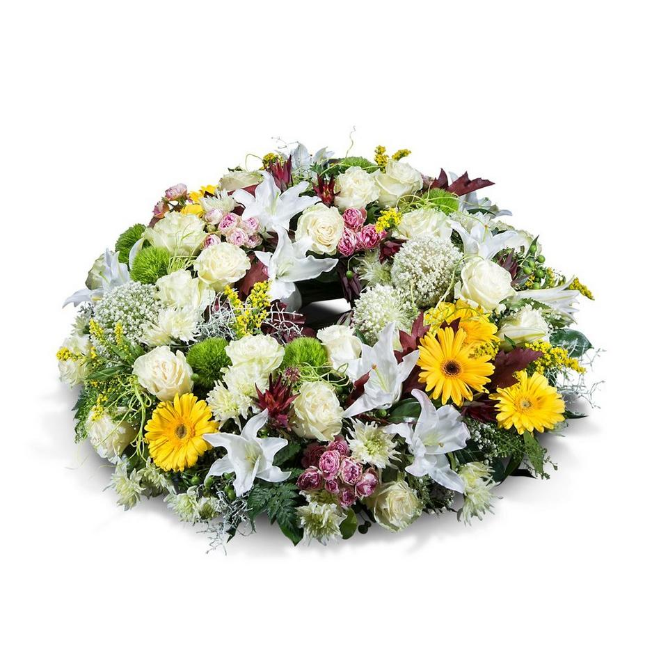 Image 1 of 1 of Medium mixed wreath