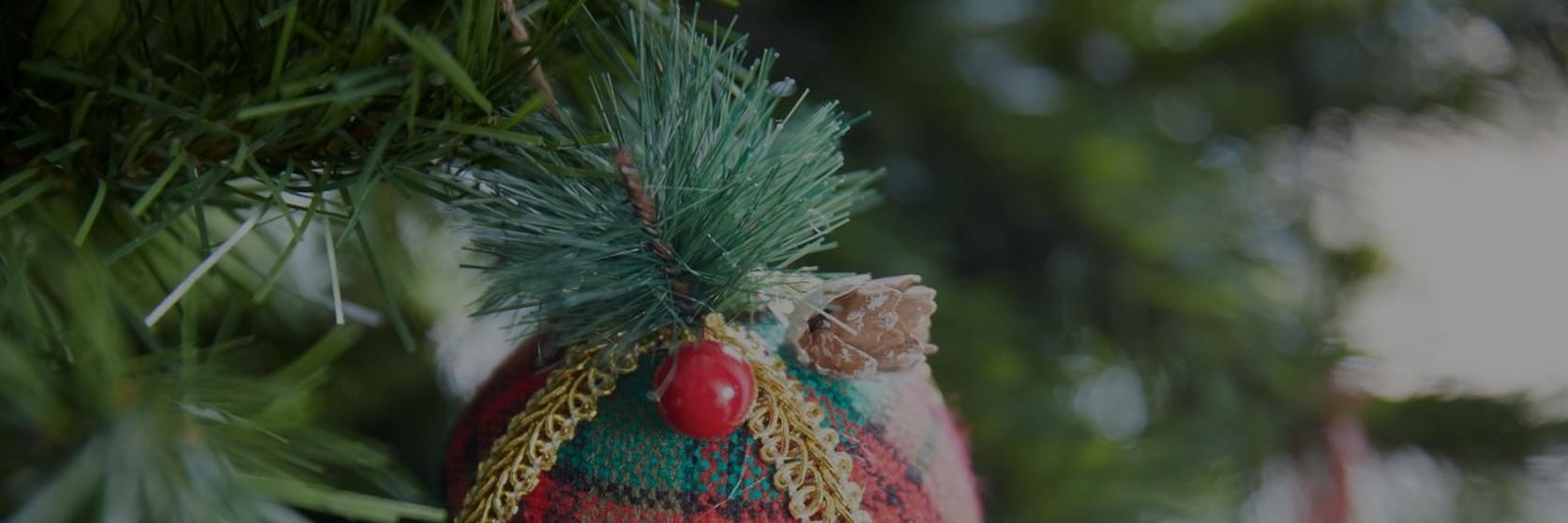 Diy-christmas-tree-decorations-1