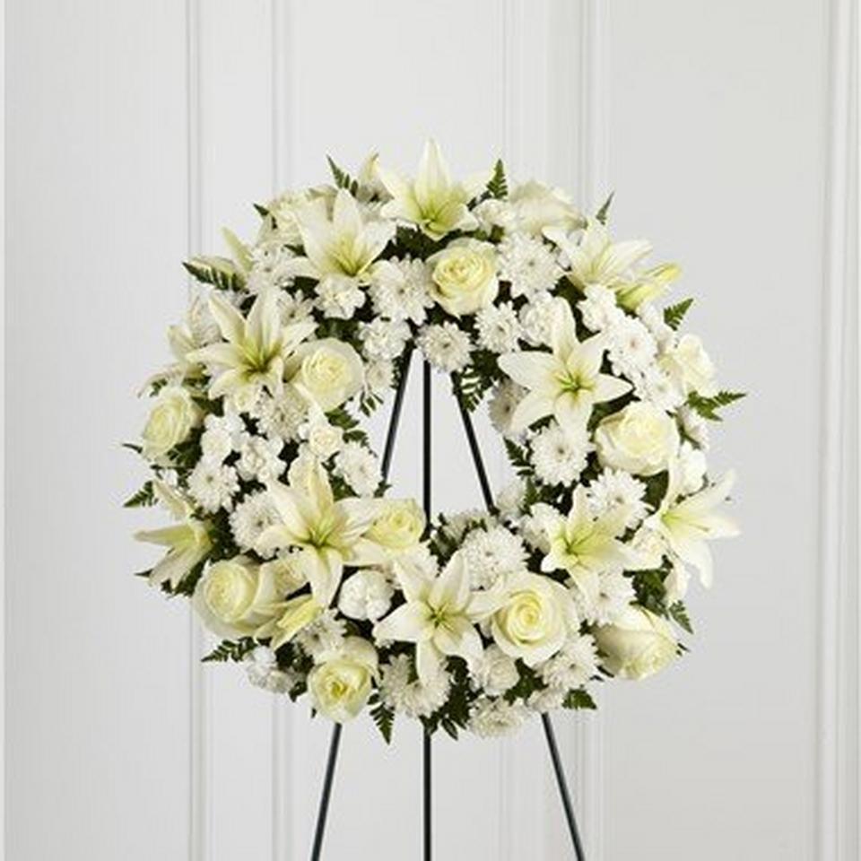 Image 1 of 1 of Treasured Tribute Wreath