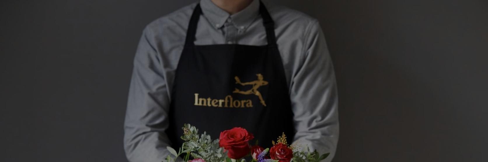 Understated-valentines-flowers-1
