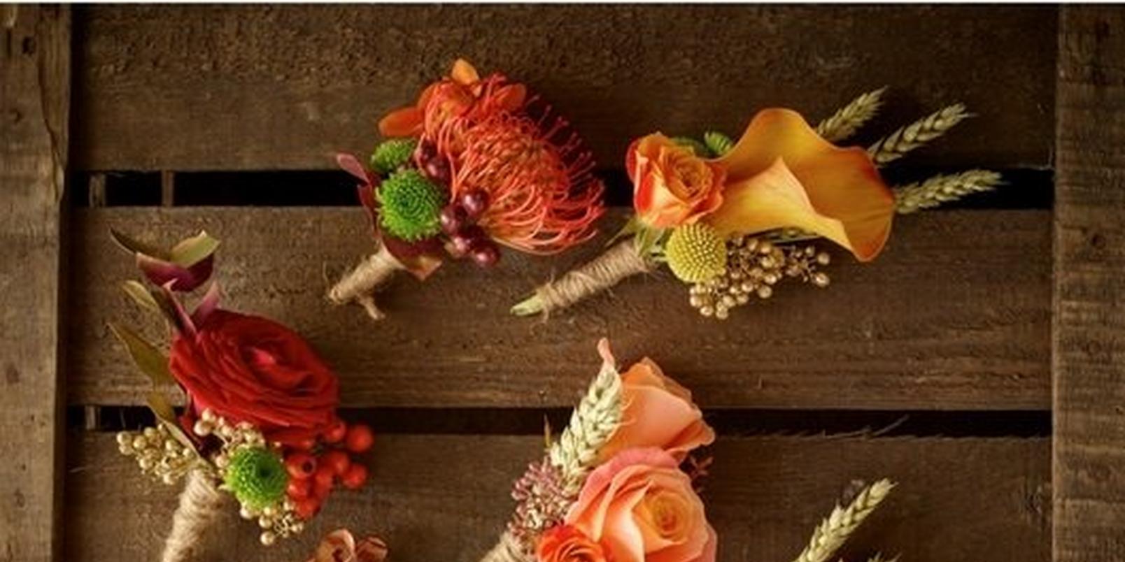 autumn-wedding-flowers-buttonholes