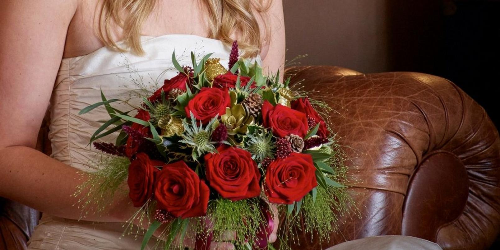 christmas-wedding-flowers-2