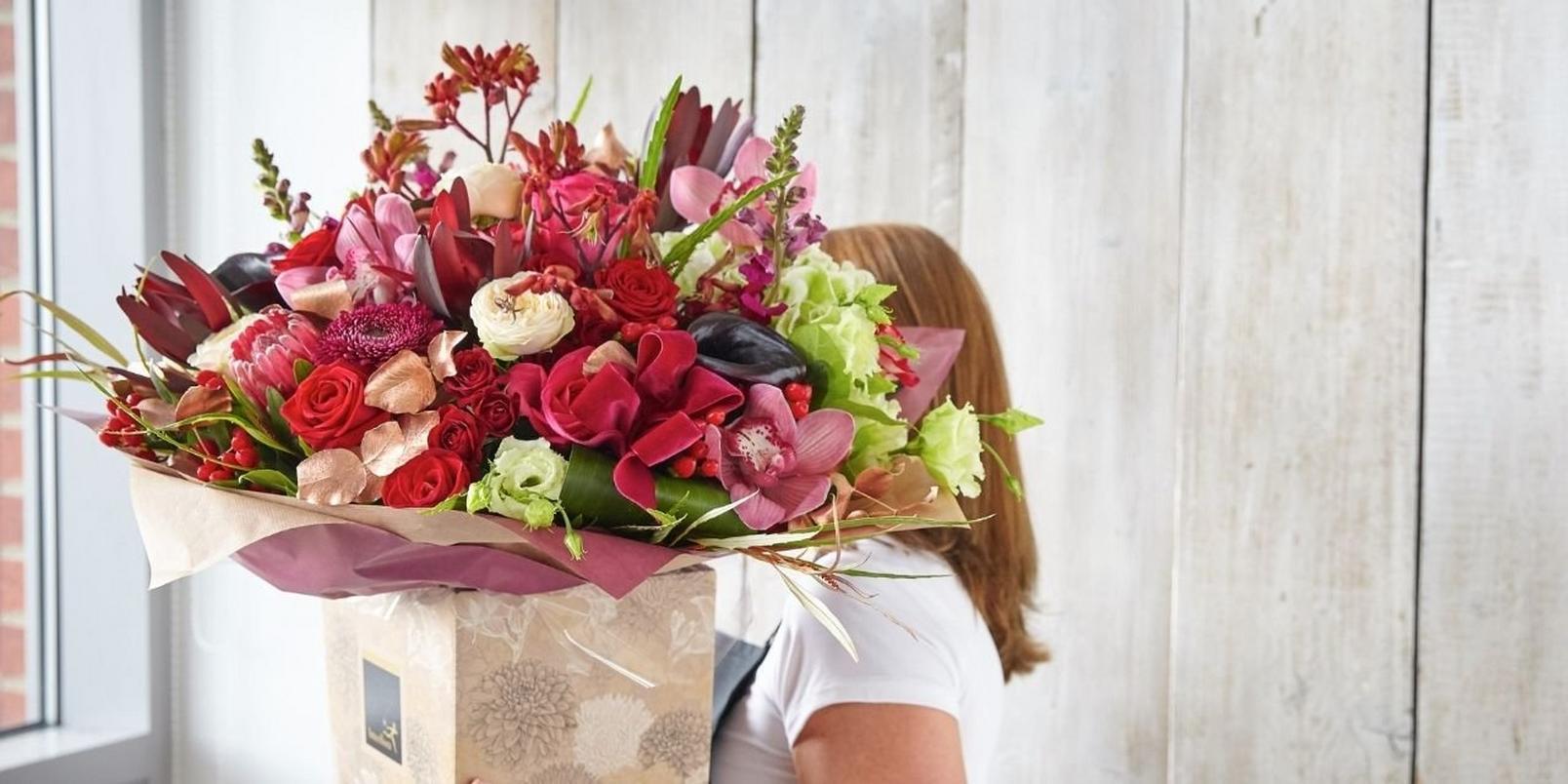 florist-big-bouquet