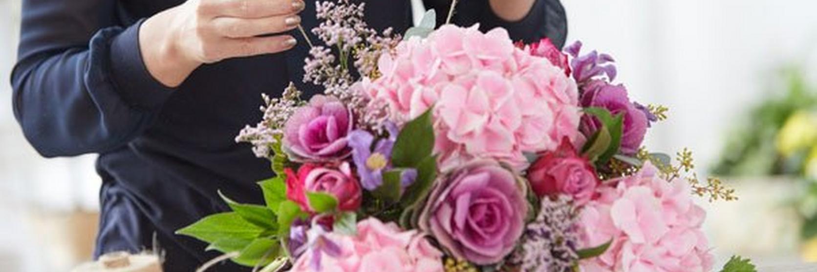 florist-working