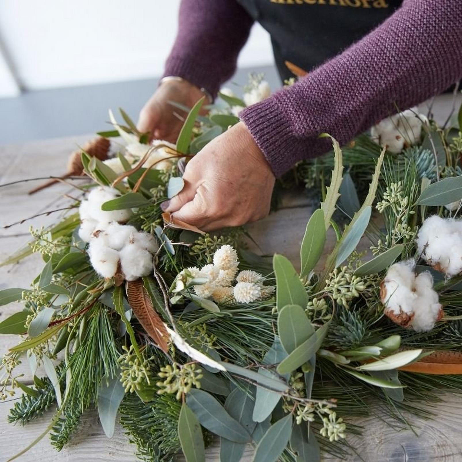 how_to_make_a_foilage_Christmas_wreath-16