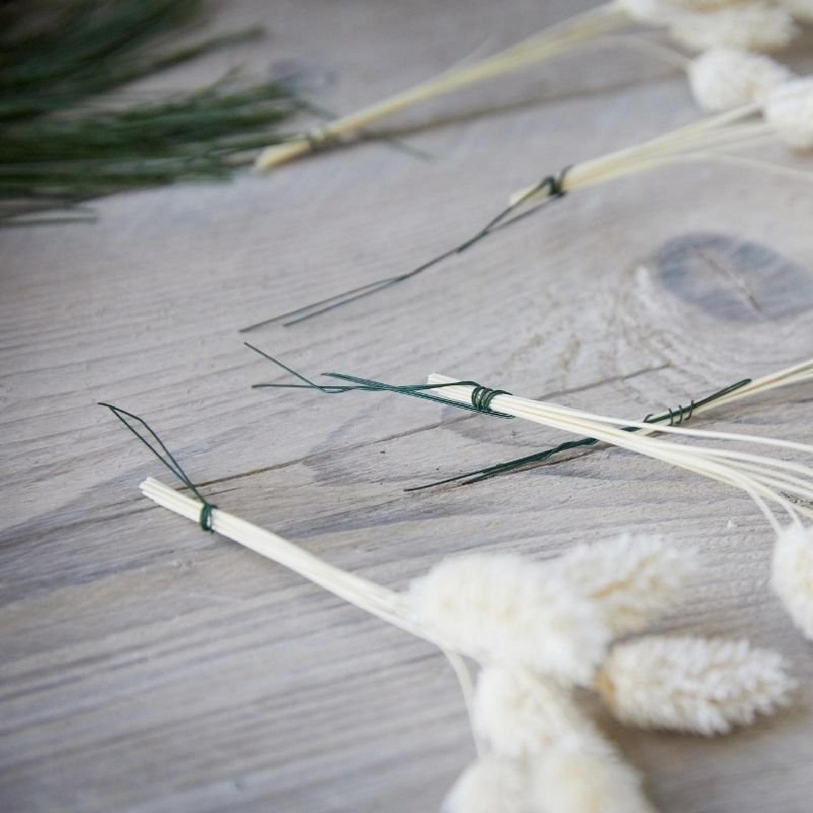how_to_make_a_foilage_Christmas_wreath-7