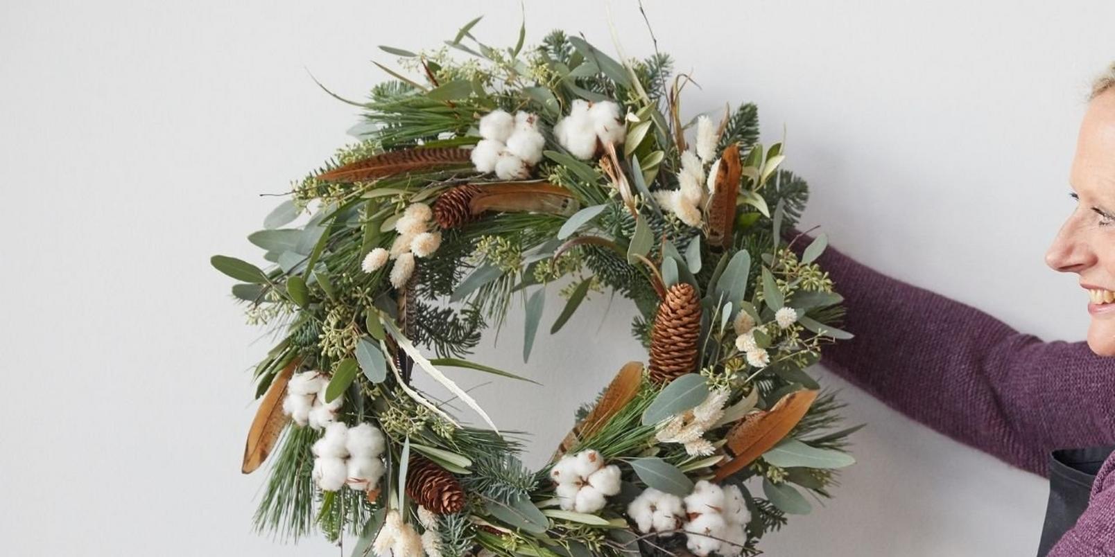 how_to_make_a_foilage_Christmas_wreath-9