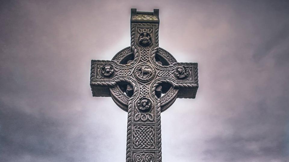 irish-grave-stone