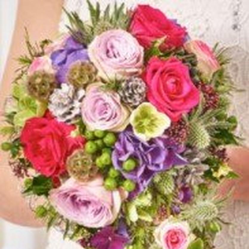 modern-christmas-wedding-bouquet-cropped