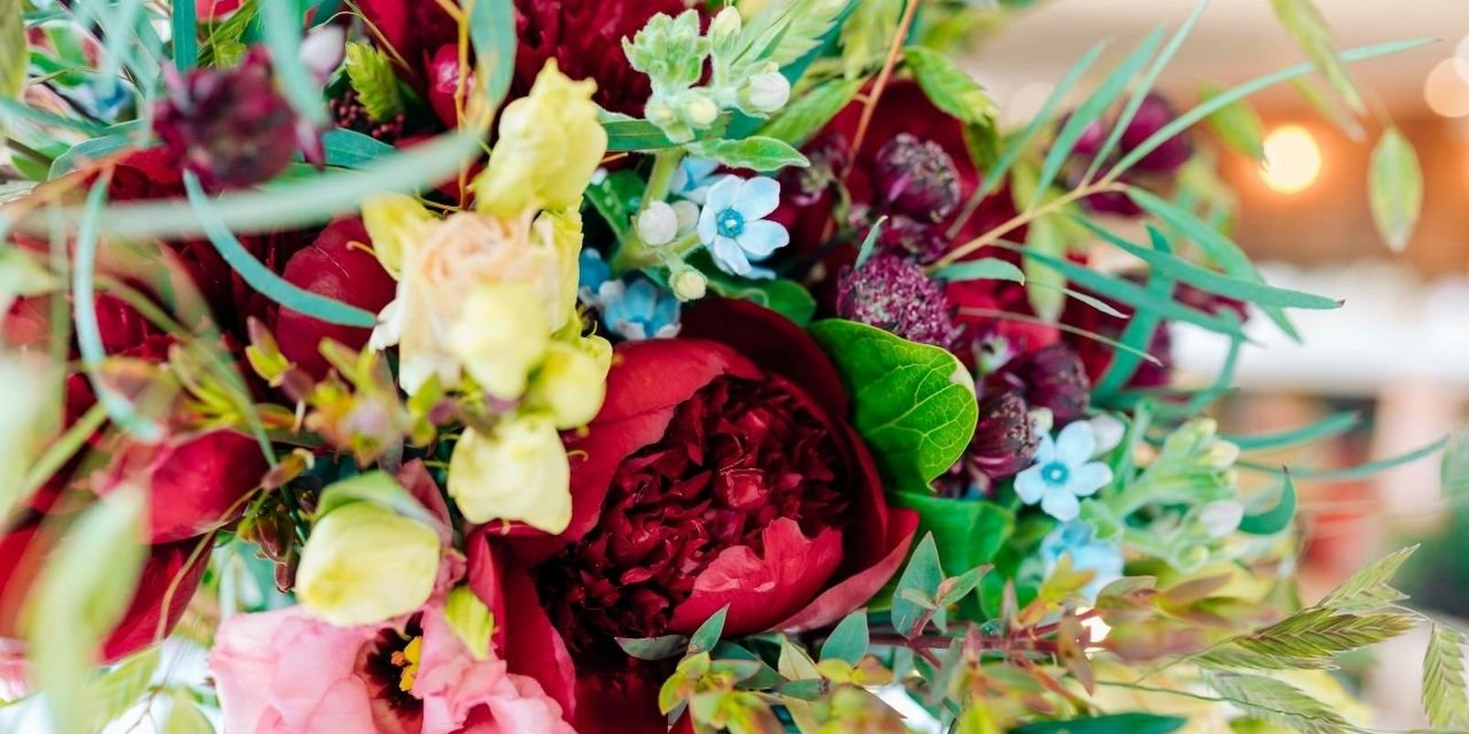 red_peony_bouquet