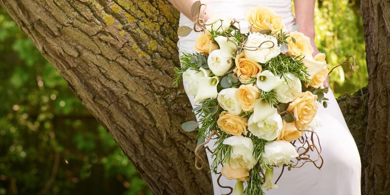 spring wedding flowers - heavenly roses