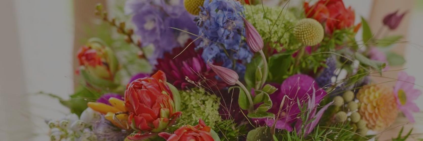 vibrant-spring-wedding-bouquet-1