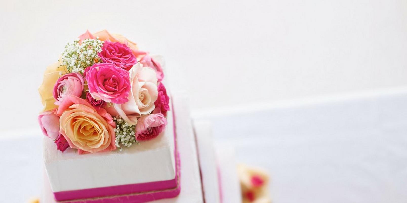 wedding-cake-real-flowers