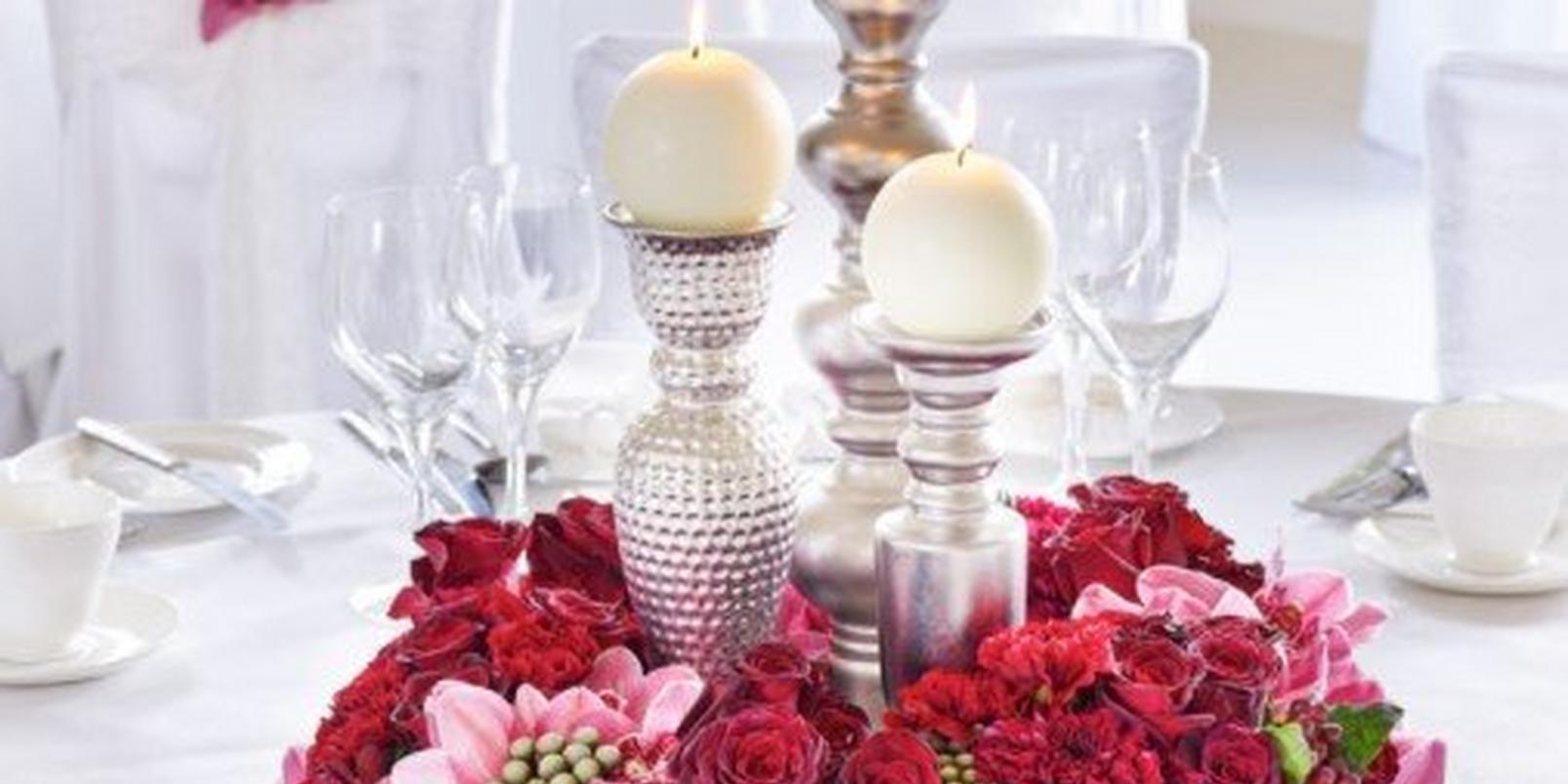 winter-wedding-table-arrangement